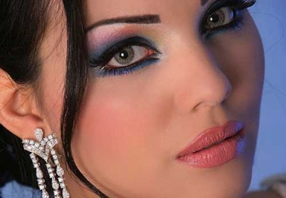 طرز صحیح کشیدن خط چشم,خط چشم زیبا و جذاب,طریقه کشیدن صحیح خط چشم