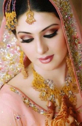آرایش لب هندی