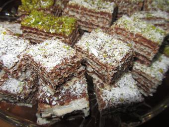 آموزش پخت شیرینی میکادو
