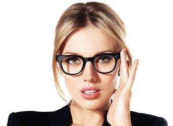 عینک,بیماریهای چشم,مواد غذایی مفید,ضعیف شدن چشم,عینک طبی,سلامت چشمها,پیشگیری از ضعیف شدن چشم,مواد مغذی چشمها,خشکی چشم,ویتامین A,تقویت قوه بینایی,بیماری کوری