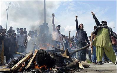 سوزاندن مجرمان کلیسای پاکستان