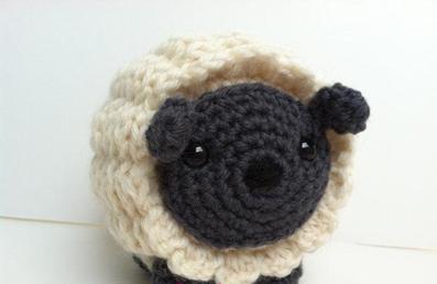 بافت عروسک گوسفند