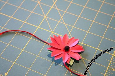 ساخت گل کاغذی,تزئین کادو با گل کاغذی,ساخت کاردستی کاغذی