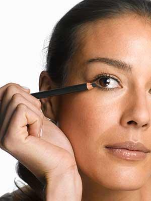 ارایش چشم,آموزش آرایش چشم,آموزش آرایش چشم ساده,ارایش ساده چشم,آموزش آرایشگری,سایت آموزش آرایشگری,سایت آرایش عروس,فیلم آموزش آرایشگری,خرید نرم افزار آموزش آرایشگری,خرید انلاین لوازم آرایشی