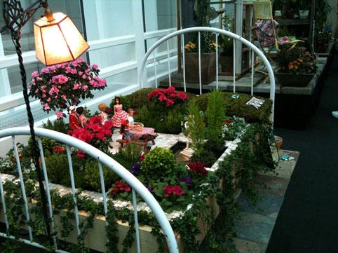 تزئین حیاط با گلدان,آموزش تزئین حیاط با گلدان