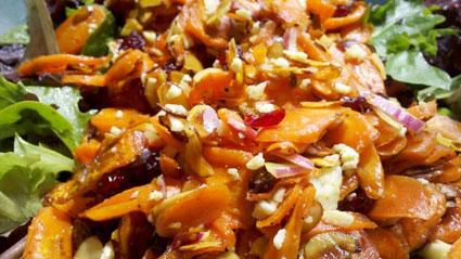مواد لازم برای تهیه سالاد هویج و پنیر,آموزش آشپزی,طرز تهیه سالاد هویج