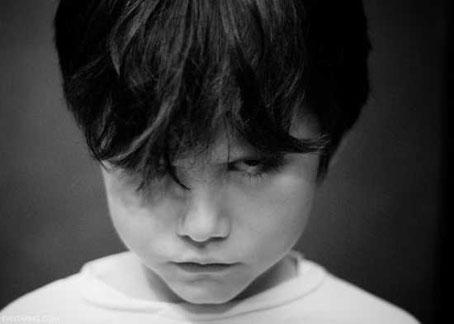 آموزش رفتار های استاندارد با کودک شرور