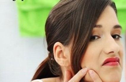 خوراکی های مفید برای جوش صورت,خوراکی های مضر برای جوش صورت,غذاهای جوش پوست