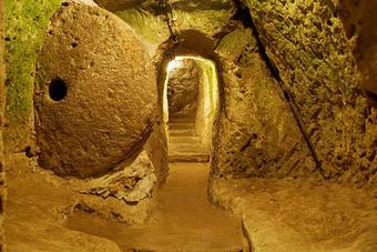 تونل زیر زمینی داعش,تونل مخفی,تونل زیر زمینی تروریست های سوریه