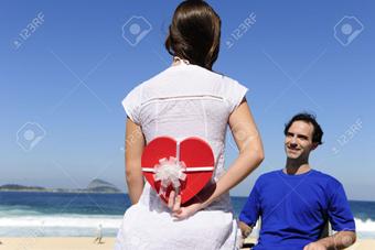 هدیه دادن به شوهر,هدیه شوهر,هدیه دادن به همسر,سورپرایز همسر
