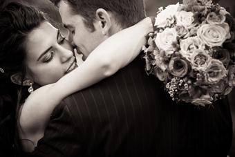 عشق,دوست داشتن,ازدواج,ازدواج عاشقانه,ازدواج از روی دوست داشتن,ازدواج احساسی