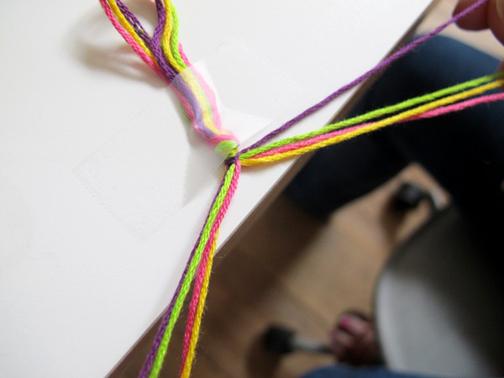 آموزش ساخت دستبند دوستی,آموزش بافت دستبند دوستی