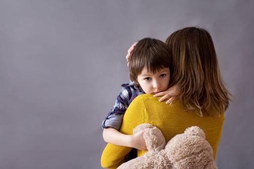وابستگی نوزاد به مادر,درمان وابستگی جوانان به مادر