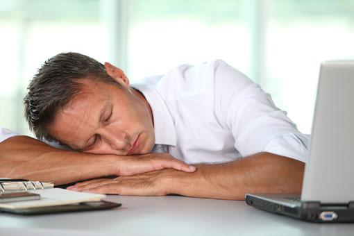 آیا خوابیدن در طول روز حرام است؟,مضرات خواب روزانه,ضرر های خواب روزانه
