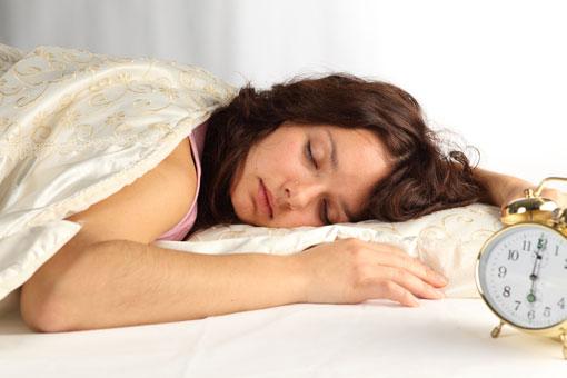 شرایط خوابیدن در طول روز,چرا خواب طول روز حرام است