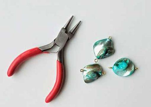 آموزش ساخت دستبند با زنجیر و سنگ های رنگی 3 آموزش ساخت دستبند با زنجیر و سنگ های رنگی