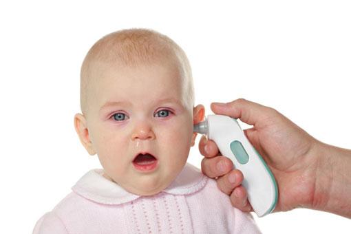 دلایل اصلی تب نوزاد,راه های کاهش تب نوزاد