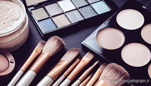 تفاوت لوازم آرایش ها با یکدیگر چیست؟,مصرف لوازم آرایش تاریخ گذشته چه خطراتی دارد؟,با پدها و شت های آرایشی چه کنیم؟,اسفنج های آرایشی را چگونه تمیز کنیم