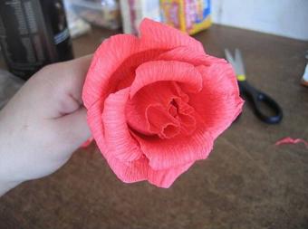 ساخت گل رز شکلاتی,ساخت گل شکلاتی,آموزش گل شکلاتی