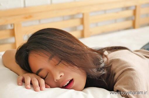 درمان ریزش آب دهان در خواب,این کارها به باز شدن سینوس ها کمک می کنند,جلوگیری از ریختن آب دهان با تغییر حالت خوابیدن