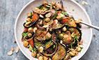 طرز تهیه سالاد گرم بادمجان و نخود؛مخصوص گیاهخواران