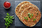آموزش طرز تهیه ی پیتزا لهجمون با سس سیر