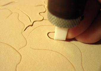 آموزش ساخت چرم,آموزش تزئین چرم,آموزش حکاکی روی چرم,آموزش چرم دوزی,آموزش چرم سازی,کار با چرم,گل سازی روی چرم,ساخت گل روی چرم