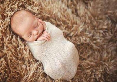 نوزاد شیرین