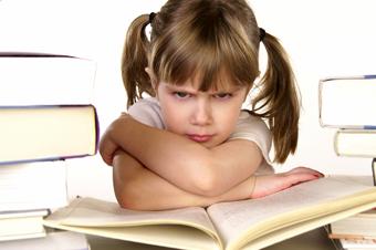 دلایل خودرای شدن بچه,عوامل لوس کننده کودک,عوامل لوس کننده بچه,دلیل لوس شدن بچه ها