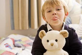 لوس شدن بچه,دلایل لوس شدن کودک,دلایل لوس شدن بچه,بچه خودرای,کودک خودرای,دلایل خورای شدن کودک