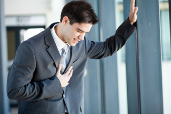 علائم اصلی درد سینه,دلایل اصلی درد سینه,علائم اصلی درد قفسه سینه,دلایل اصلی درد قفسه سینه
