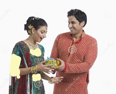بالا بردن میزان محبت همسران,افزایش میزان محبت همسران,صحبت کردن با همسر,مراقب همسر بودن,هدیه دادن به همسر