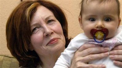 بچه دار شدن زن65 ساله,چهارقلو زاییدن زن 65 ساله