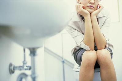 نشانه های ابتلا به تکرر ادرار,درمان تکرر ادرار,مشکلات مثانه و کلیه,علائم تکرر ادرار