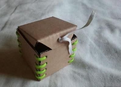 آموزش ساخت قلک با مقوا,آموزش تصویری کاردستی,کاردستی سازی
