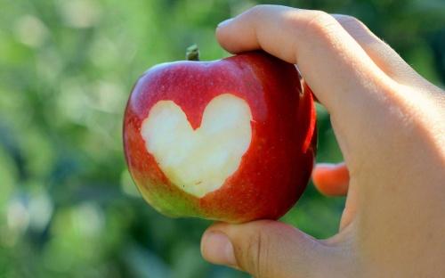 عکس قلبی سیب عاشقانه