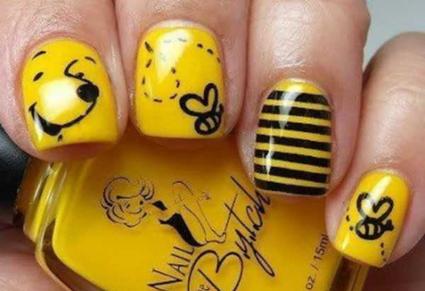 طراحی ناخن با لاک زرد و مشکی,مدل طراحی ناخن با لاک زرد