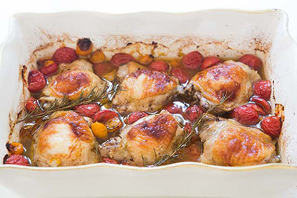 پخت مرغ با گوجه,آموزش پخت مرغ با گوجه,ران کبابی با گوجه