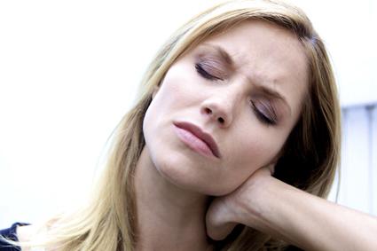 عامل اصلی درد گردن,گردن درد,درمان گردندرد,فیزیوتراپی,پیشگیری از گردن درد