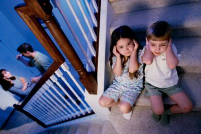 طلاق فرزند,اثرات طلاق برروی فرزند,طلاق چه ثاثیری برروی فرزند دارد؟,طلاق پدر مادر و فرزند,طلاق, همسر,زناشویی,روابط زناشویی,مسائل زناشویی,رابطه زناشويي
