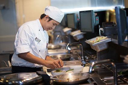بهترین روش درست کردن غذا,روش های پخت غذا,نکات ریز آشپزی,سیاه شدن تخم مرغ,اضافه کردن دارچین به شیرینی,اضافه کردن ماست به آش و غذا