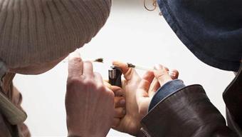 اعتیاد دانش آموزان انگلیس,فروش مواد مخدر