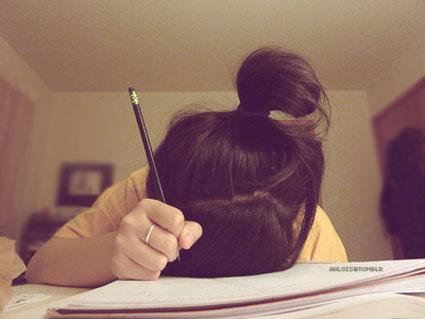 چرا پسرم از نوشتن مشق اجتناب میکند؟,چرا دخترم از نوشتن مشق اجتناب میکند