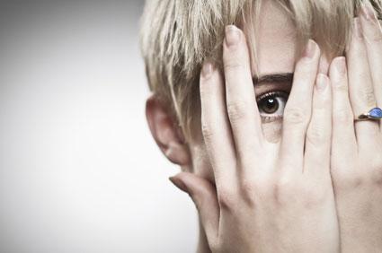انزوا و گوشه گیری,كمرویی,تـردید,دودلی,11 راهکارهای مقابله با خجالتی بودن